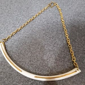 Raven & Lily Evelyn short necklace in ivory, NWOT